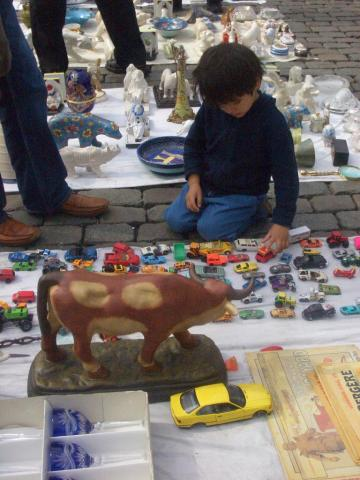 child shopping