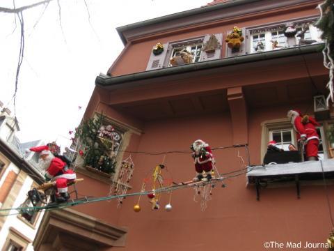 santa coming down