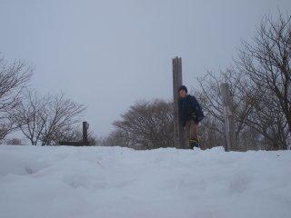 s05泉ヶ岳山頂2