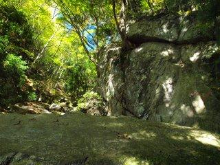 s03一枚岩1