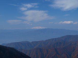 s08月山