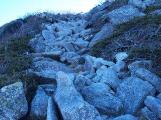 s05岩また岩