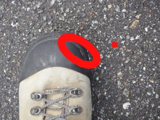 s靴に裂け目2