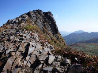 s04山頂の絶壁