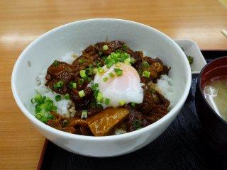 sすじ肉丼