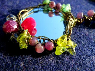 ★ルビーの花の手鏡2