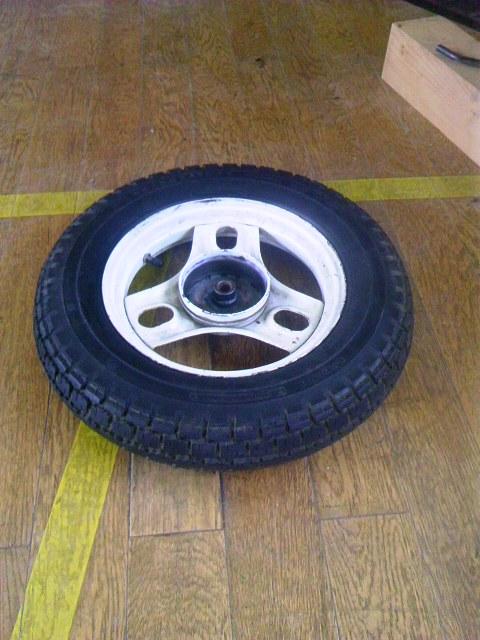 タイヤ修理 001