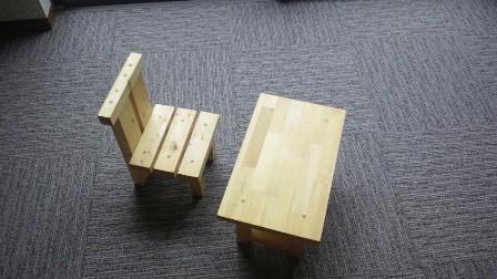 群もく椅子・机