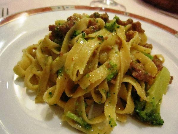 elio 自家製サルシッチャとブロッコリーの手打ちタリアテッレ
