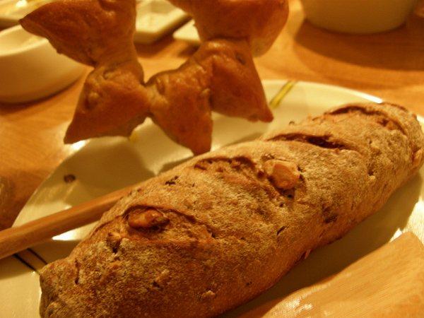 六覺燈 bread