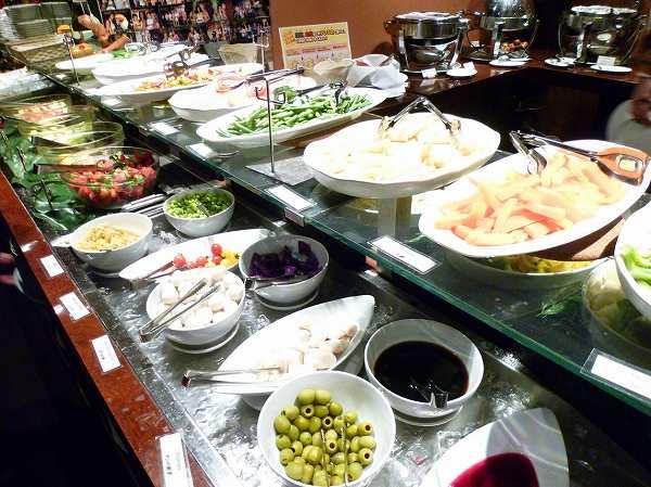 トゥッカーノ salad bar