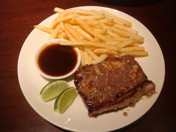 トゥッカーノ garlic steak