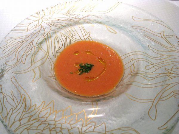 シェ・イノ フルーツトマトのガスパチョ
