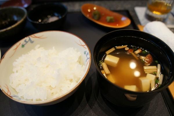季楽 炊き立て佐賀の白米とお味噌汁