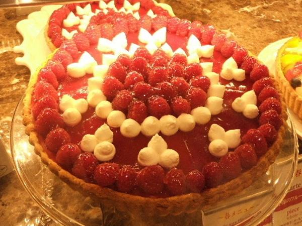 キルフェボン 木苺とホワイトチョコレートのタルト enlarge
