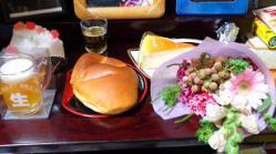 クリームパンとかわいい花束