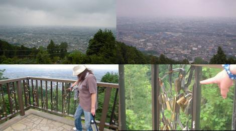 展望台から富士市の全景と鍵に多くの願い事が書かられ飾られていた写真
