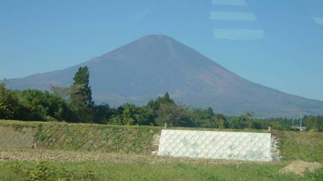 国道246バイパス走行中に撮った富士山のデジカメ写真