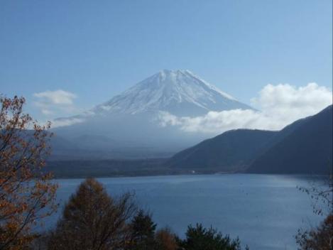 本栖湖から撮った富士山のデジカメ写真