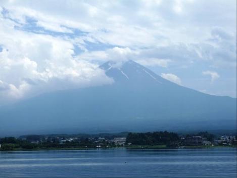 河口湖から撮った富士山のデジカメ写真
