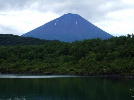 西湖から撮った富士山のデジカメ写真 1