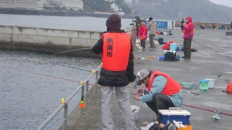 熱海港海釣り施設釣りコンテストの様子3枚目デジカメ写真