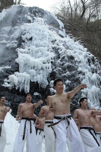 白猪の滝 正道会館寒稽古 130120 05