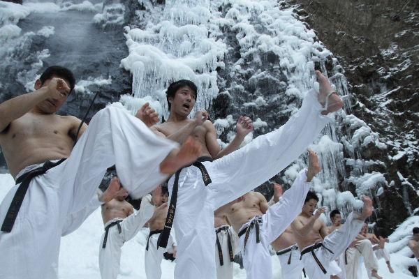 白猪の滝 正道会館寒稽古 130120 14