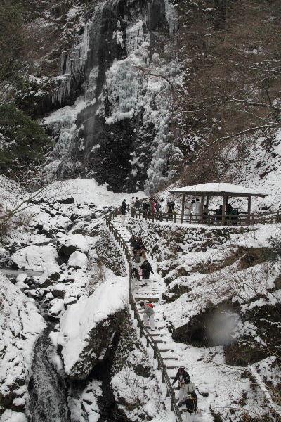 白猪の滝・氷瀑 130120 08