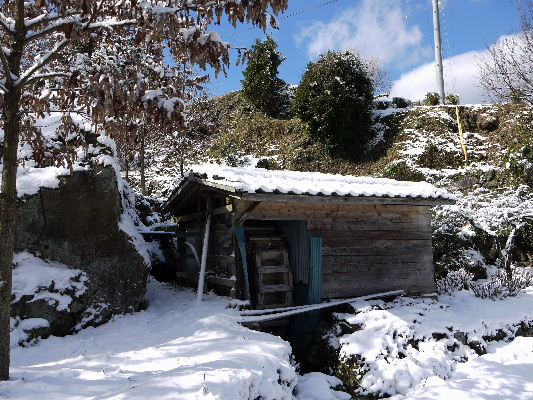河之内・狩場水車小屋雪景色 130118 01