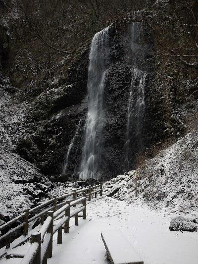 白猪の滝・氷瀑 130125 02