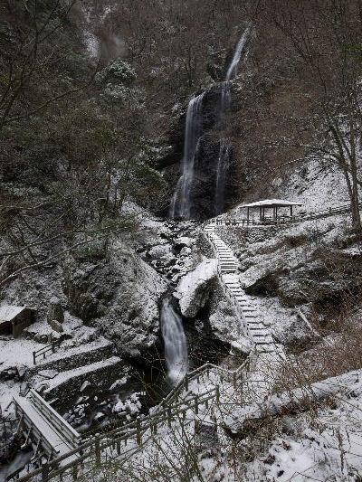 白猪の滝・氷瀑 130125 03