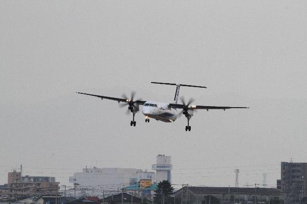 AKX DHC-8-412 JA850A 130126 01