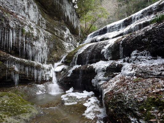 滑川渓谷氷柱・前の滝 130129 01