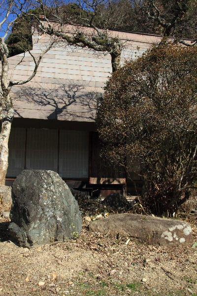 惣河内神社・黛石 130210 01