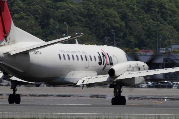 JAC SAAB 340B JA8704 RJOM 130513 03