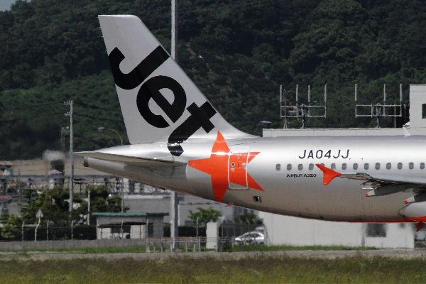 GK A320-232 JA04JJ RJOM 130611 12