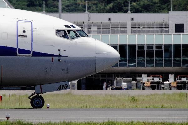 AKX B737-54K JA8419 RJOM 130710 02