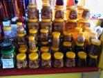 ナッツ入りの蜂蜜が多々
