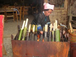 竹筒料理中