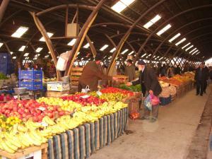 アヴァノスの市場