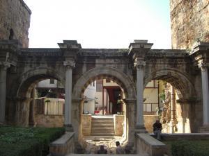 ハドリアヌス門