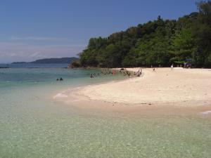 サピ島ビーチ