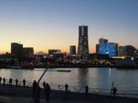 横浜の夕焼け 大桟橋より