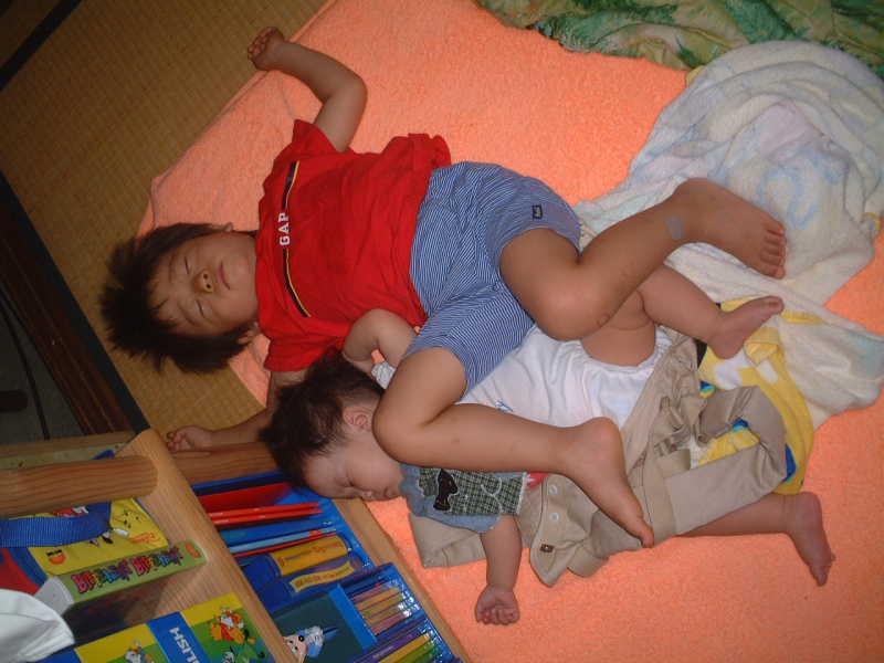 つかさのブログ-寝相対決