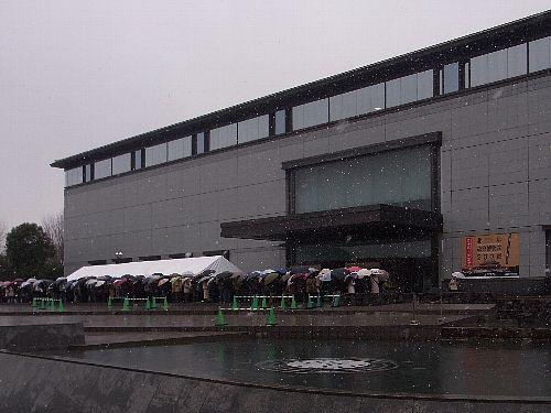 初雪の東京国立博物館平成館