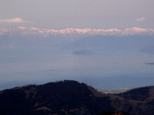 箱館山と竹生島