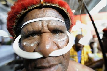 indonesia-birth-control-men-2011-02-25_0.jpg
