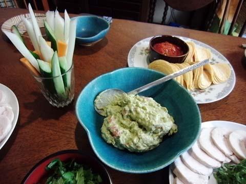 アボカドディップと野菜スティック