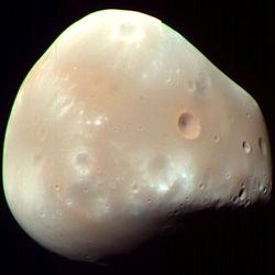 250px-Deimos-MRO.jpg